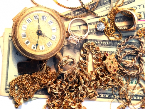 How to buy and sell gold jewelry for profit