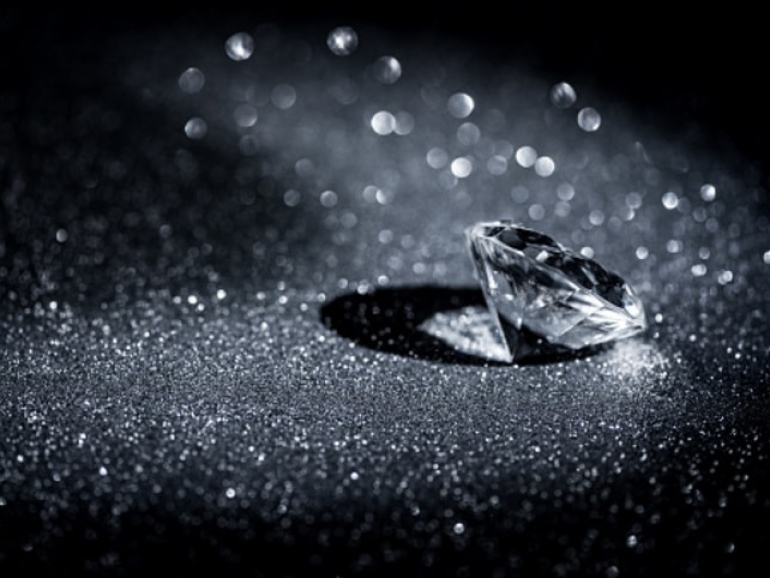 Diamond still life